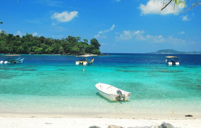 Pesona Pantai Iboih yang luar Biasa indah (Sumber Foto: arrazibrahim.com)
